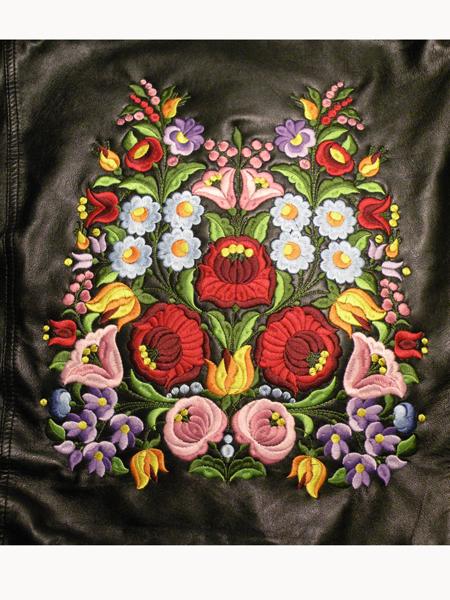 35fd9f0137 Hímzett női bőrkabát, Kalocsai minta 01