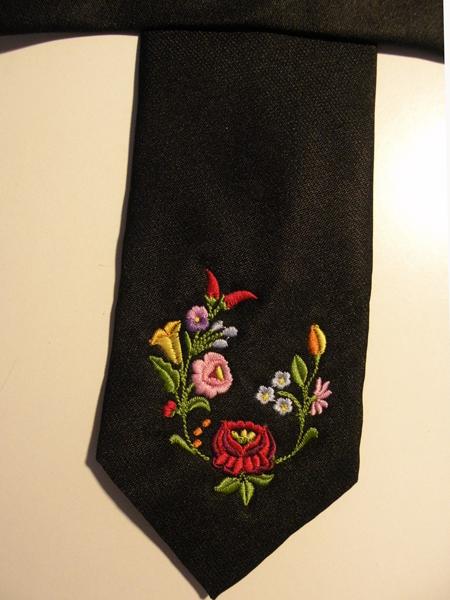 Hímzett nyakkendő 13;