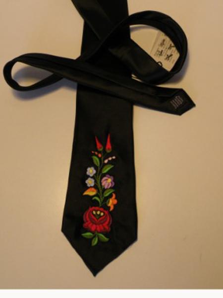 Hímzett nyakkendő 25;