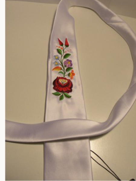 Hímzett nyakkendő 31